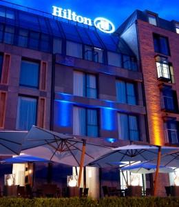 article_662_totem-commerce-hilton-hotel-gdansk-poland_666x768